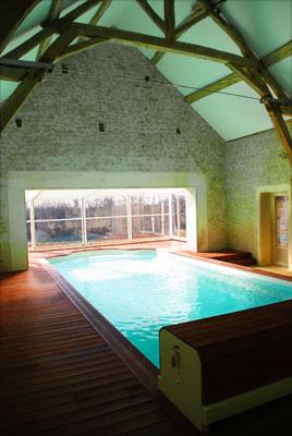 la piscine avec les poutres